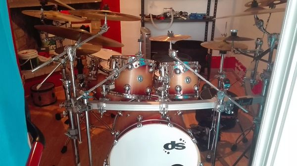 Drum Sound equalized 5 pezzi (22-10-12-14-16) +Drum Art ulivo 14x5.5 + supporti