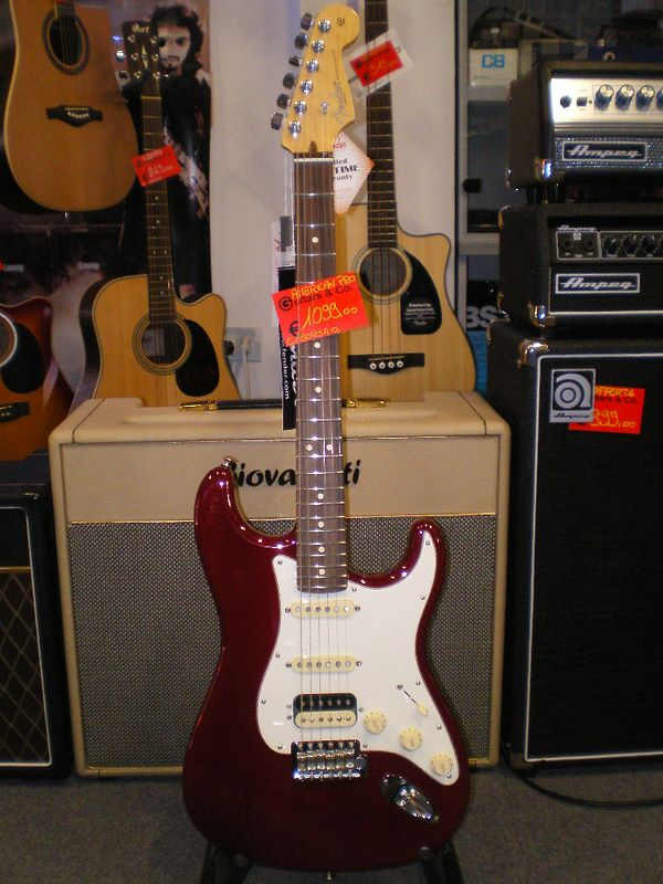 Fender USA Professional Standard Stratocaster HSS 2015