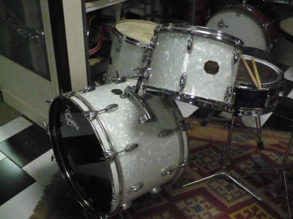Gretsch Drums preserie 22 13 16 orange label