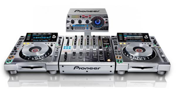 affitto affittasi Consolle Pioneer Platinum cdj 2000 nexus  djm 900 Rmx 1000