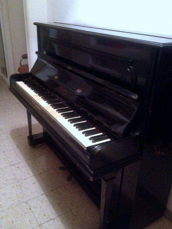 Pianoforte Roeseler stimato 1.200 euro