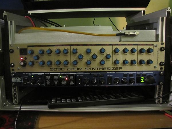 Roland 9090 DRUM SYNTH (tr 909 clone)