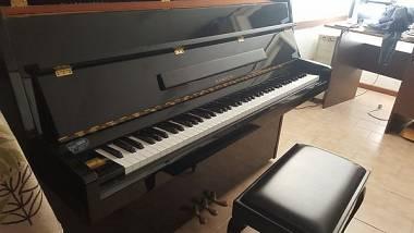 Samick pianoforte tre pedali