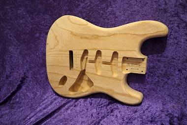 BODY STRATOCASTER STYLE USA AMERICAN SWAMP ASH - AAAAA Quality