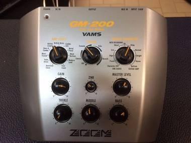 """Zoom GM 200 AMP + Effetti + Distorsore """"MADE IN JAPAN"""" Spedizione inclusa"""