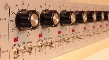 Telefunken v672,Neumann v472, lawo v972 , vintage, 8 CANALI, Up-grade Api, Neve