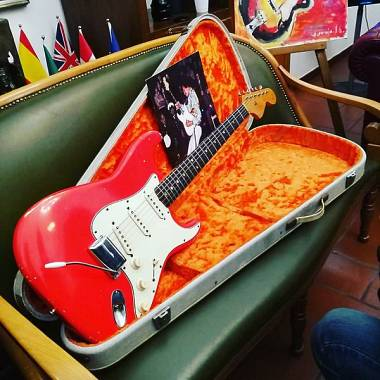 Fender Stratocaster  1966 fiesta red