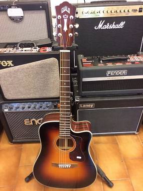Guild D140 CE in Antique Sunburst