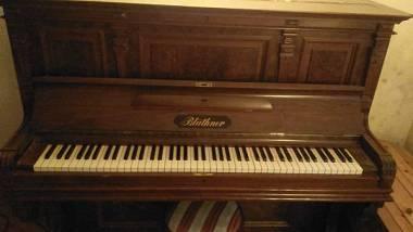 Pianoforte acustico verticale Bluthner vendesi