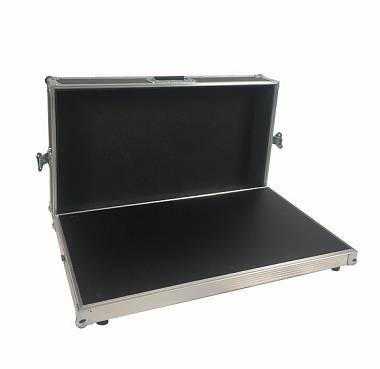 RTF Flight case pedalboard 70x40x11cm con ripiano