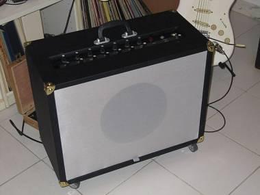 Amplificatore 30 W valvolare per chitarra