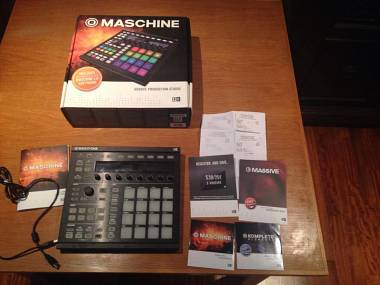 Native Instruments Maschine MKII + software + scatola