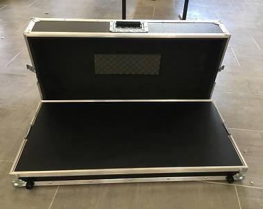 Flight case pedalboard 76x36,5x12cm con ripiano