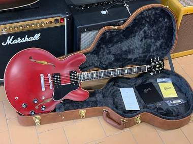 Gibson Memphis ES-335 2018 Satin Wine Red Limited Run Block Inlay PARI AL NUOVO