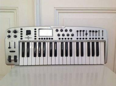 M Audio Ozonic MIDI Controller / Master Keyboard 3 ottave 37 tasti