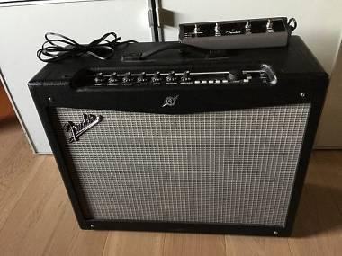 Fender Mustang IV + footswitch MS4