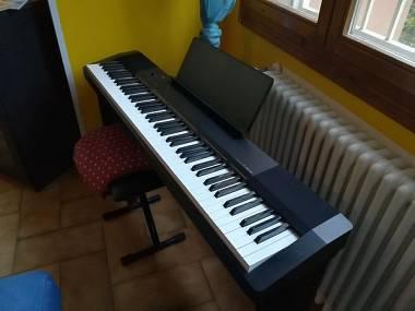Vendo tastiera di 1 anno casio sgabello #5915247 su mercatino