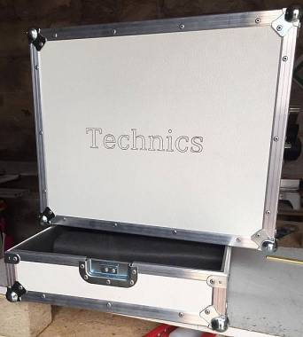 flight case per giradischi technics o similari