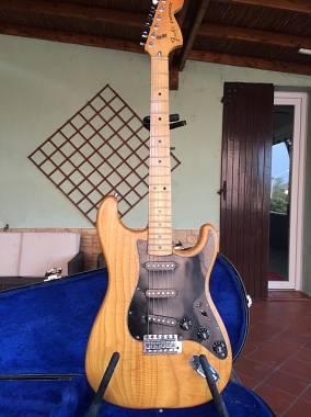 Fender stratocaster natural 1979 maple
