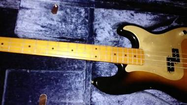 Fender precision bass 57-95 made in japan g 1988