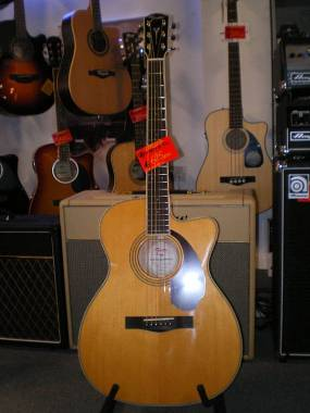 Fender Paramount PM 3 Standard