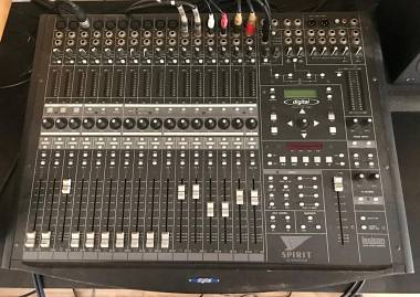 Soundcraft SPIRIT 328+RME RAYDAT