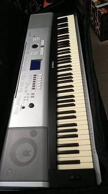 Yamaha portable grand DGX 520