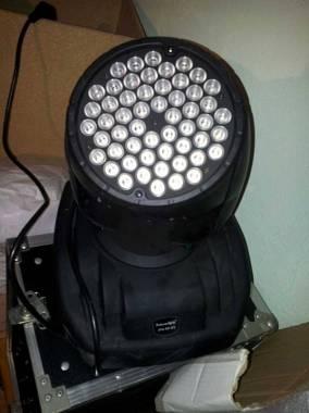 Futurelight eye 54 teste mobili 54 led da 3 watt uno rgb