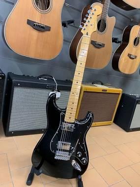 Fender Stratocaster Blacktop HH in ECCELLENTI CONDIZIONI