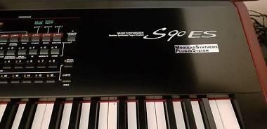 Yamaha S90 es con 2 plugin PLG150 AN  e case