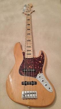 Squier by Fender Squier vintage modified jazz bass v