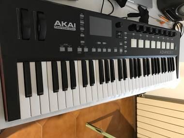 Akai Advance 61 Master Keyboard Controller Midi