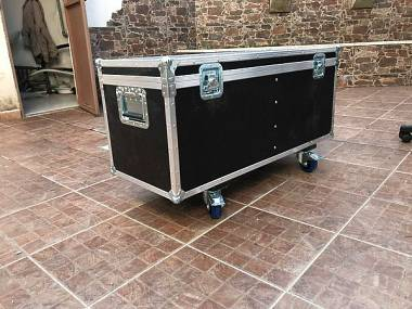 flight case baule per cavi