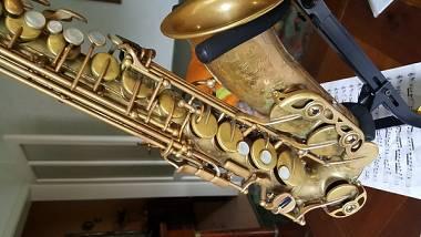 Yamaha sax contralto
