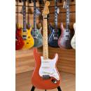 Fender Mexico Classic Series Stratocaster '50s Maple Neck Fiesta Red