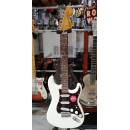 SQUIER Classic Vibe '70s Stratocaster Laurel Fingerboard Olympic White.