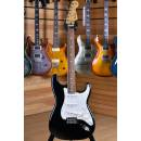 Fender Player Series Stratocaster Pau Ferro Fingerboard Black