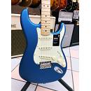 FENDER STRATOCASTER AMERICAN PERFORMER SATIN LAKE PLACID BLUE