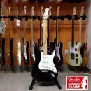 Chitarra elettrica Fender STD Stratocaster BLK (Mexico) - set up incluso