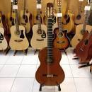 Chitarra classica Ramirez 1A del 1985 con astuccio (usato negozio)