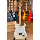 Fender American Professional Stratocaster Maple Neck Olympic White