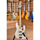 Fender American Professional 2017 Jazz Bass Maple Fingerboard Olympic White