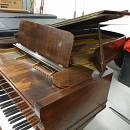 Steinway & Sons D240