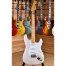Fender Vintera '50s Stratocaster Maple Neck White Blonde