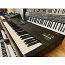 Korg T3 EX (Hammond, Rhodes, Wurlitzer, Leslie)