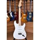Fender American Original '50s Stratocaster Maple Fingerboard White Blonde
