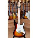 Fender American Professional 2017 Stratocaster Maple Fingerboard 3 Color Sunburst