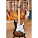Fender Player Series Stratocaster Maple Fingerboard 3 Color Sunburst