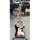 FENDER Player Stratocaster, Maple Fingerboard, 3-Color Sunburst.