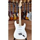 Fender American Professional 2017 Stratocaster Maple Fingerboard Olympic White